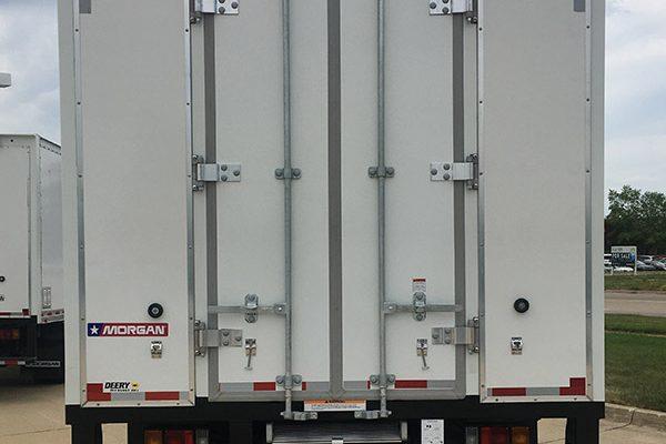 LCF Box truck 20 Rear view - barn door